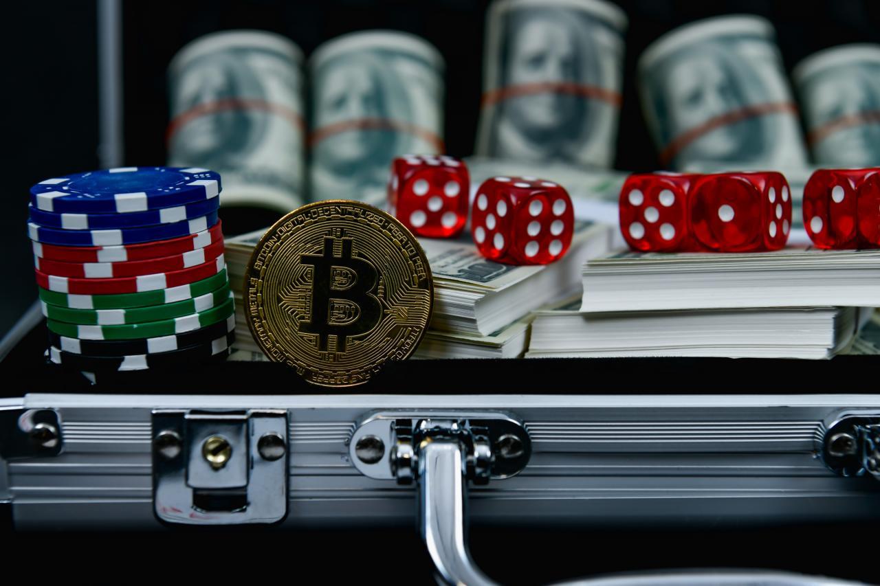 HOW BITCOIN IS REVOLUTIONIZING ONLINE GAMBLING & SPORTS BETTING | by Bitcoin Casinos & Sports Betting | Bitcoin Casinos & Sports Betting | Medium